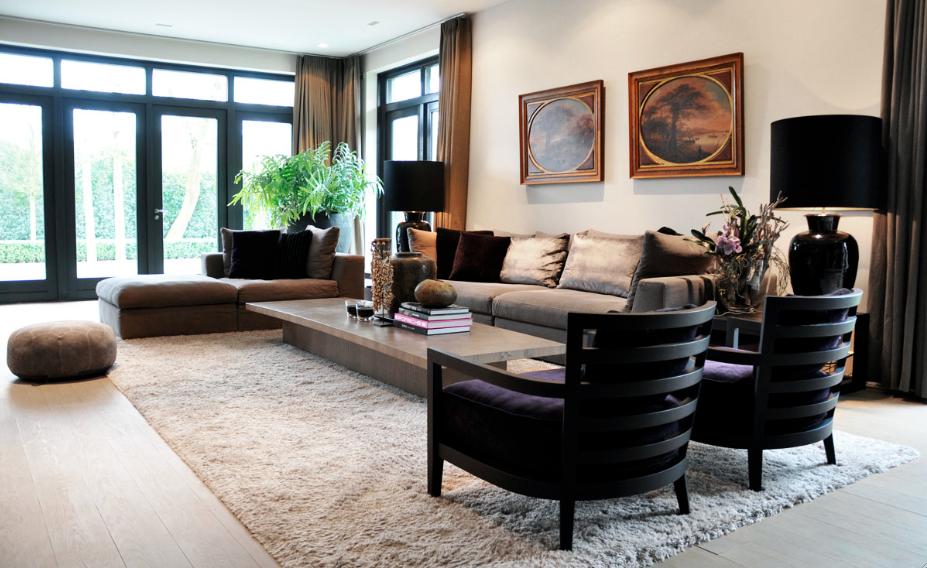 Woonkamer in warm grijs - RAW Interiors